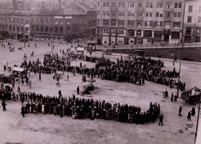 Societies under German Occupation - Food queue at Yongstorget (city center) in Oslo, Norway's Resistance Museum